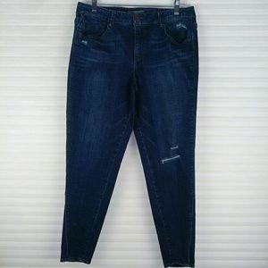 Wit & Wisdom Distressed Ankle Jeans 12
